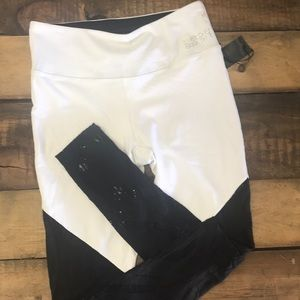 Bebe sport leggings with lace